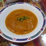 インド・ネパール料理 FULBARI - チキン(830円) ナンORライスお替り自由 サラダとドリンク付き