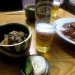 田舎洋食いせ屋 - ビール & 肉じゃが