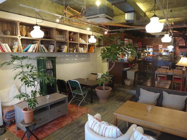 https://tabelog.ssl.k-img.com/restaurant/images/Rvw/12081/640x640_rect_12081055.jpg