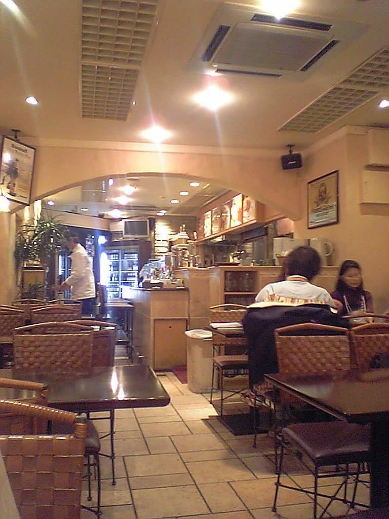 ディ ヴルスト 神谷町店