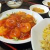 瑩瑩 - 料理写真:エビチリと半チャーハンの定食