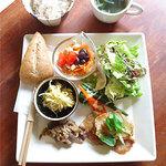 ガーデンティーハウス グリーンパラソル - 料理写真:野菜が多く使われているランチ。