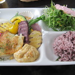 島野菜カフェ Re:Hellow BEACH - たっぷり島野菜プレート