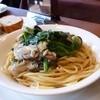 ズッカ - 料理写真:牡蠣とほうれん草のスパゲティ