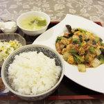 陳記厨房 - キクラゲと玉子炒め定食650円