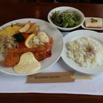 麦藁帽子 - エビフライ定食