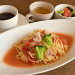 クイーン クック カフェ - 料理写真:人気の生パスタランチ♪