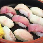 ばんや - 朝獲れ850寿司