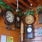 ぶりーだーかふぇ - たくさん時計はあったけど、時間はバラバラ