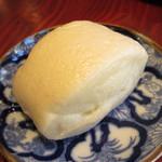 ハタケマメヒコ飯店 - きび糖饅頭