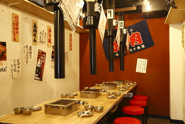https://tabelog.ssl.k-img.com/restaurant/images/Rvw/12277/640x640_rect_12277769.jpg