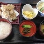 阿蘇 丸福 - 鶏唐揚げ定食(骨なし)800円