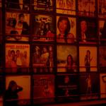 ビッグヒップ - 壁一面のレコードは月替わりだそうです。