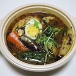 SAMA - チキンカリー(960円)+レンコントッピング(+100円)+極スープ(+100円)+容器代(40円)