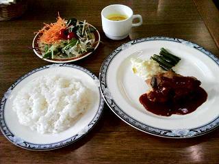 <レストラン・喫茶>東京 きゃら亭 記念会館店