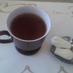 シェ・ドゥーヴル - デザート メレンゲ&紅茶