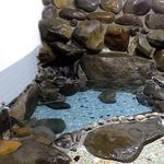 柳瀬温泉 - 浴室(岩風呂になっています)