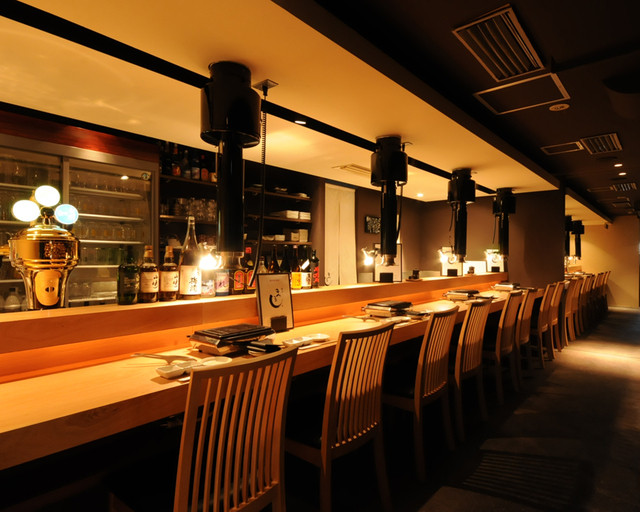 https://tabelog.ssl.k-img.com/restaurant/images/Rvw/12382/640x640_rect_12382763.jpg