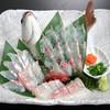 いけす道楽 - 料理写真:いけすで泳いでいる活きのいい鯛をそのまま調理