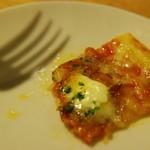 カフェ・ベリー - イベリコ豚サラミとマスカルポーネのピザ