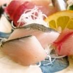 いとう漁協直営 漁師めしや 波魚波 - 地魚(名前不明)