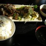 ゆーゆーらーさん - あぐー豚の焼肉定食(1200円)