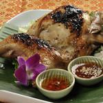 アジアン バンブーン - 丸鶏半羽のタイ風グリルチキン