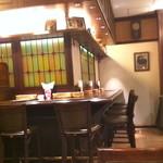 66ダイニング六本木六丁目食堂 - 次回は、このカウンター席に座って、軽くワインを楽しもうかな!