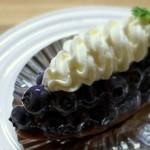 創作菓子 ロッシェ - ブルーベリータルト・・・ブルーベリーがたくさんのってます