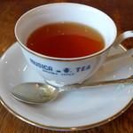 ティーハウス ムジカ - ケーキセットの紅茶<ヌワラエリヤ>(ケーキとセットで\800、2012年3月)