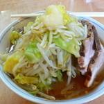 石六家 - G麺の横顔