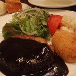洋食や なかむら - 料理写真:ハンバーグセット(カニコロもついてボリュームあります)