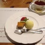 マジェンタ - ディナーコース デザートと飲み物