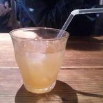 ラ・ベファーナ - ランチセットで選べるドリンクの自家製アイスレモンティー