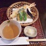 手打ち蕎麦 東風 - 天ざる(\1620)の天ぷら