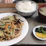 キッチンひろ - 野菜炒め定食 ¥600