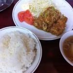 喜楽 - 唐揚げ定食 特殊味付け