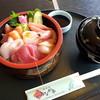 若狭食堂 かみなか亭 - 料理写真:新鮮な海産物、桶いっぱいに詰め込んだ 海鮮散らし