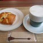 ブックオフカフェ 白金台店 - カフェラテとのセット