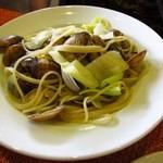 クチネッタ ユギーノ - アサリとキャベツのスパゲティ