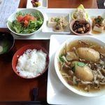 アンビュウ - 料理写真:ランチ1100円