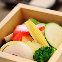 地元の産直野菜にこだわります!