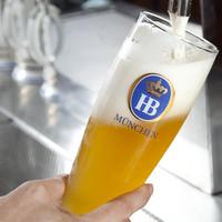 目の前で注がれる生ビールはまた格別!!