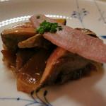 リストランテ ラ・バリック トウキョウ - フォアグラのソテー  ヴェネト産白玉葱と赤ワインのチップ添え
