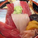 すし源 - 料理写真:ちらし寿司