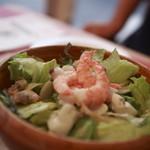 イルキャンティ・カフェ - カフェ自慢の海鮮サラダ