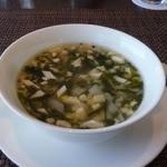 チャイナシャドー - 牛すじと豆腐入り若芽スープ