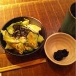 黒尊 - サラダと海苔の佃煮