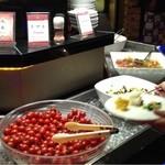 レストラン バーガンディ - サラダも結構豊富に色々ありました。