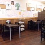 どんぶり 定食の店 まる和 - テーブル席